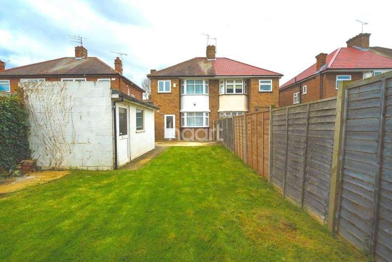 3 Bedrooms Semi Detached House for sale in Methuen Road, HA8