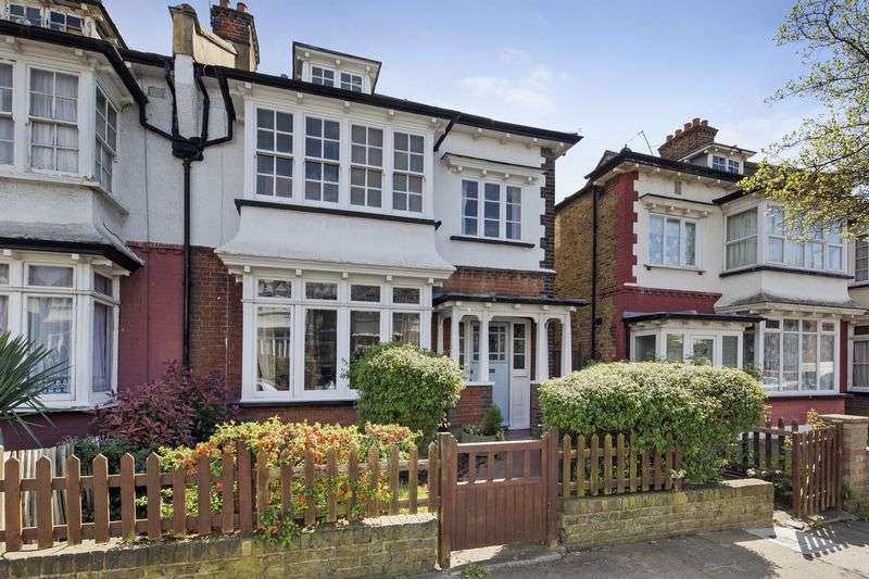 5 Bedrooms Semi Detached House for sale in Hilldown Road, London