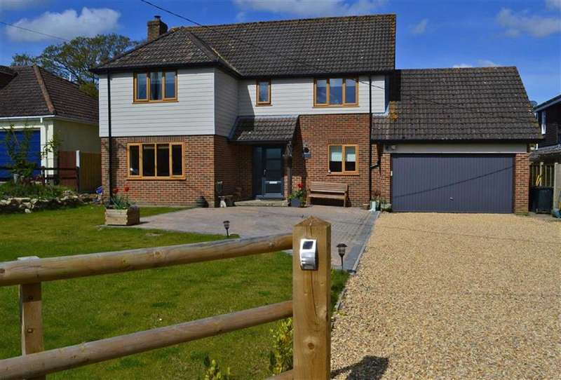 4 Bedrooms Detached House for sale in Holt Lane, Wimborne, Dorset