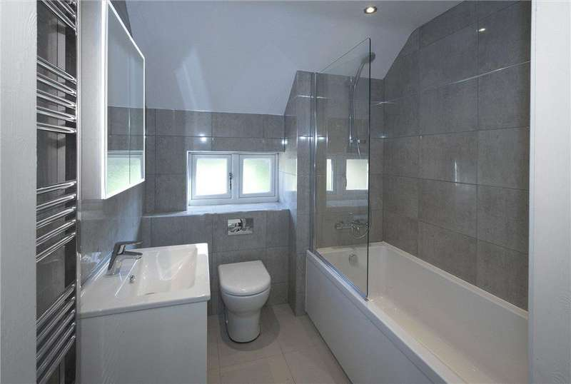 2 Bedrooms End Of Terrace House for sale in Staddlestone Mews, Station Road, Broadway, Worcestershire, WR12