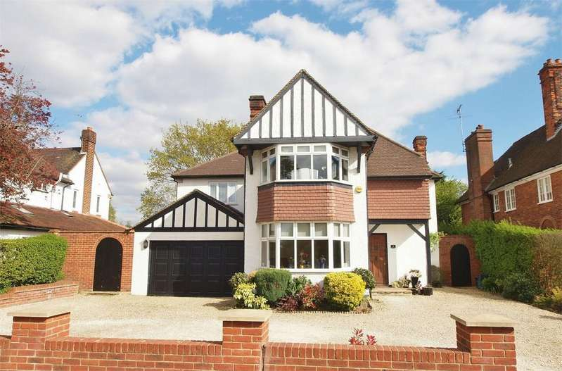 5 Bedrooms Detached House for sale in Whitecroft Way, Park Langley, Beckenham