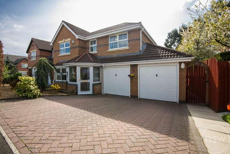 4 Bedrooms Detached House for sale in Hill Rise View, Aughton