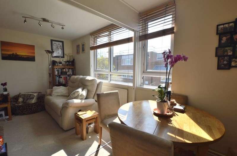 2 Bedrooms Flat for sale in Cheltenham Road London SE15