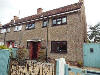 3 Bedrooms Semi Detached House for sale in West Lynn, King's Lynn, Norfolk