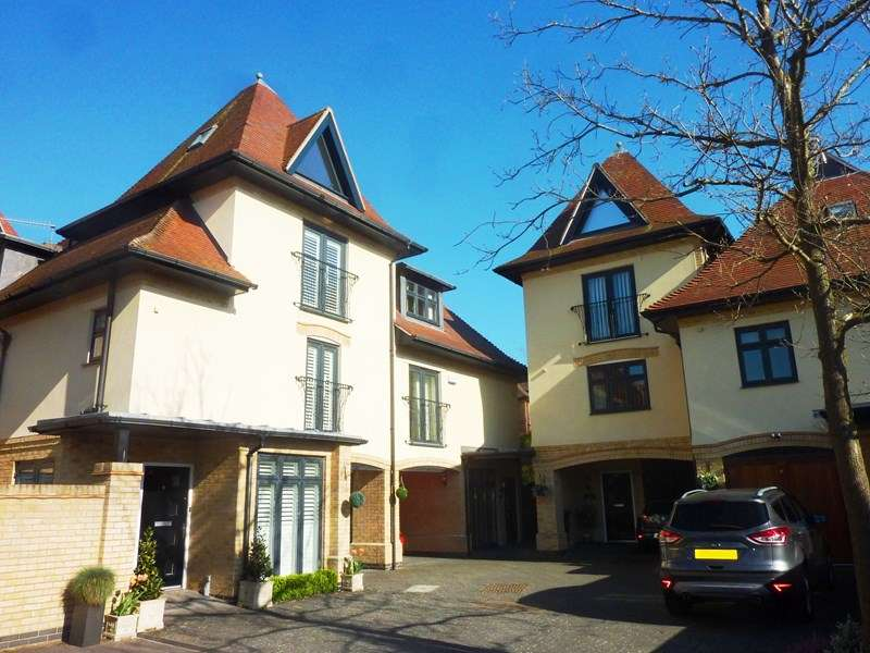 4 Bedrooms Town House for sale in Lower Parkstone, Poole BH14