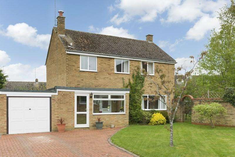 3 Bedrooms Detached House for sale in Broad Close, Barford St Micahel, Banbury