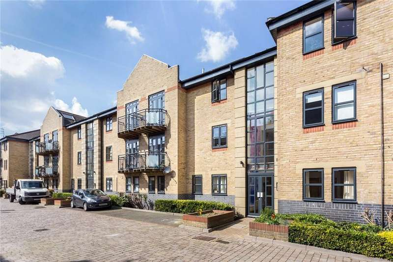 2 Bedrooms Flat for sale in Equity Square, London, E2