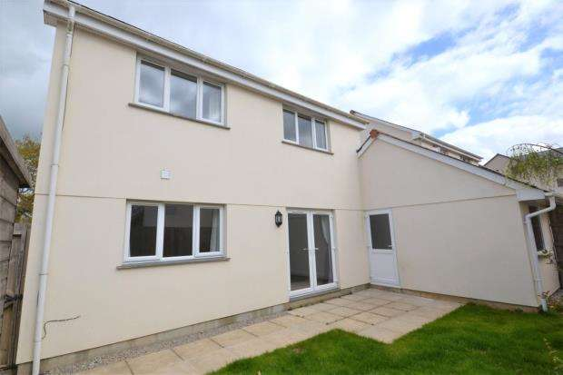 3 Bedrooms Link Detached House for sale in Skitta Close, Callington, Cornwall