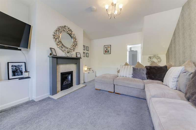 2 Bedrooms Property for sale in Rochdale Road, Bacup