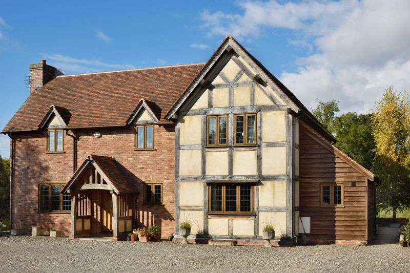 5 Bedrooms Detached House for sale in 4/5 Bed Boarder Oak House & Detached Annex Barn & Paddock