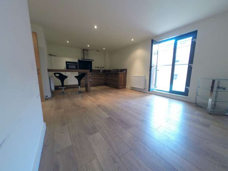 2 Bedrooms Flat for sale in 1 Middlewood Rise, Sheffield, South Yorkshire, S6