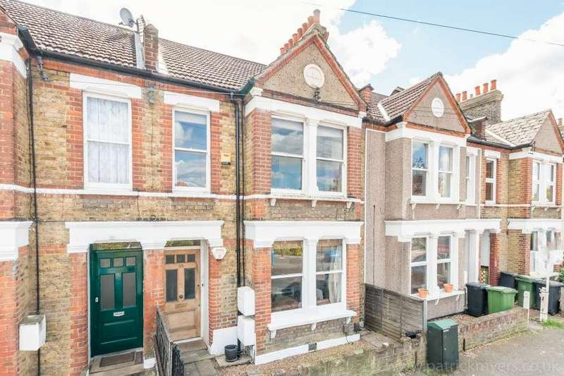 2 Bedrooms Flat for sale in Leahurst Road,