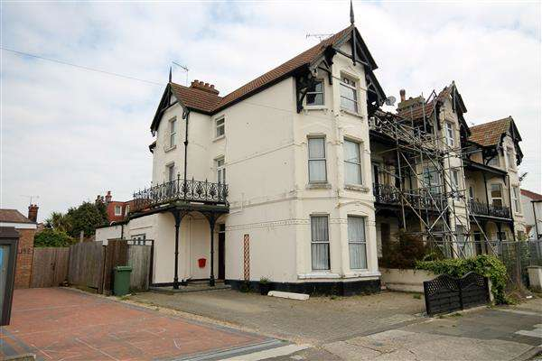 5 Bedrooms House for sale in Granville Road, East Clacton