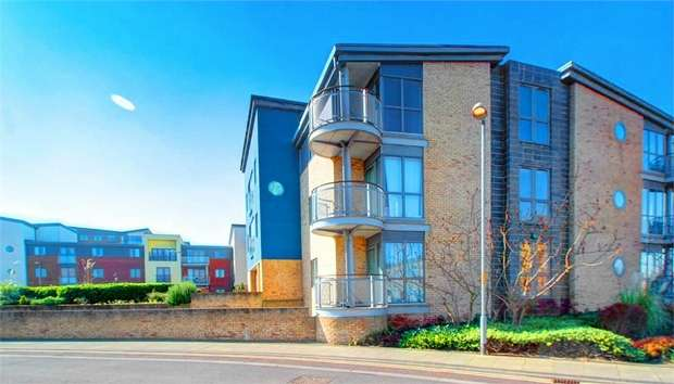 1 Bedroom Flat for sale in Fairway Court, Gateshead, Tyne and Wear, UK