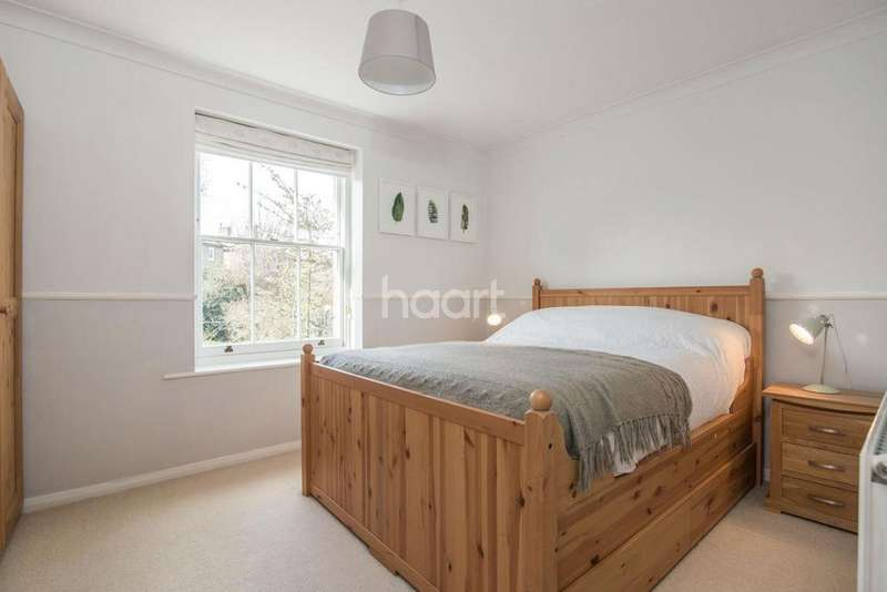 3 Bedrooms Flat for sale in Culmington Road, West Ealing