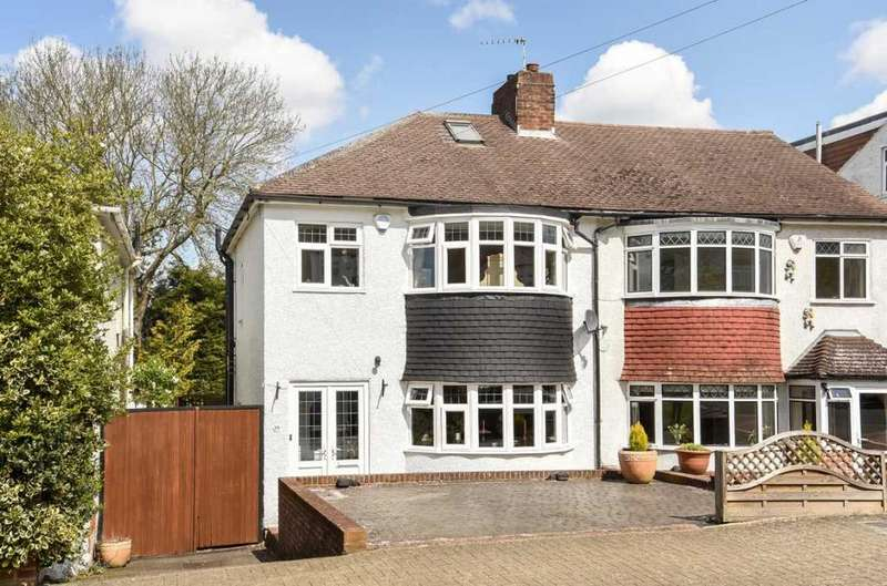 3 Bedrooms Semi Detached House for sale in Copthorne Avenue Bromley BR2