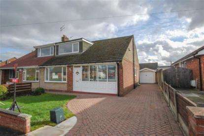 3 Bedrooms Bungalow for sale in Vernon Road, Greenmount, Bury, Greater Manchester, BL8