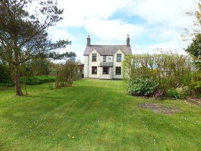3 Bedrooms Detached House for sale in Tudweiliog, Pwllheli, Gwynedd, LL53
