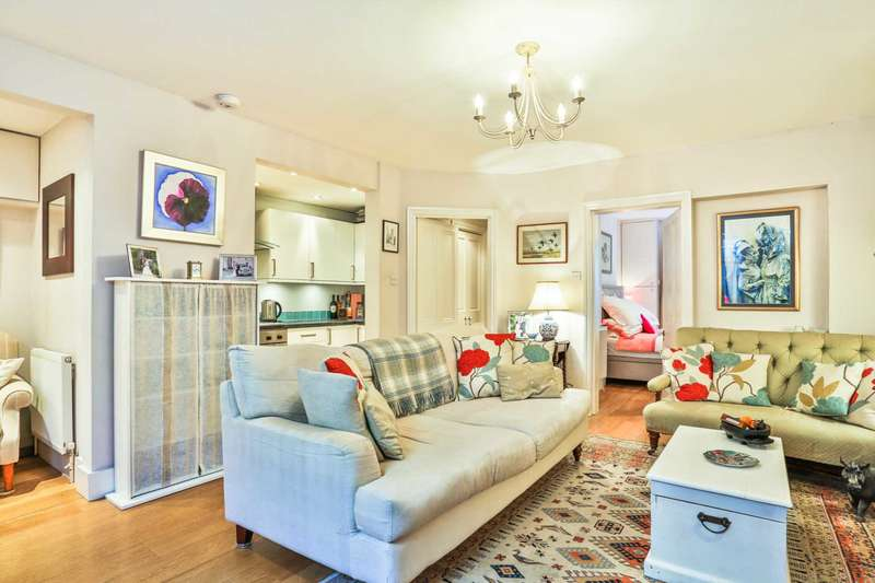 2 Bedrooms Apartment Flat for sale in Comeragh Road, London