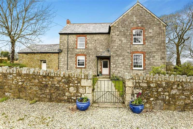 4 Bedrooms Detached House for sale in Bowling Green, Bugle, St Austell, Cornwall, PL26