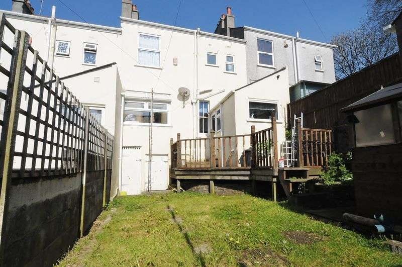 3 Bedrooms Terraced House for sale in Torr View Avenue, Plymouth. 3 Bedroom family home in Peverell.