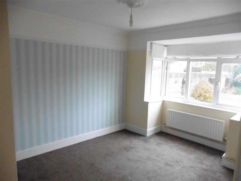 2 Bedrooms Bungalow for sale in Vicarage Lane East, North Weald, Epping, Essex