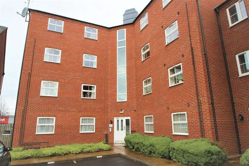 1 Bedroom Flat for sale in Huxley Court, Stratford-Upon-Avon