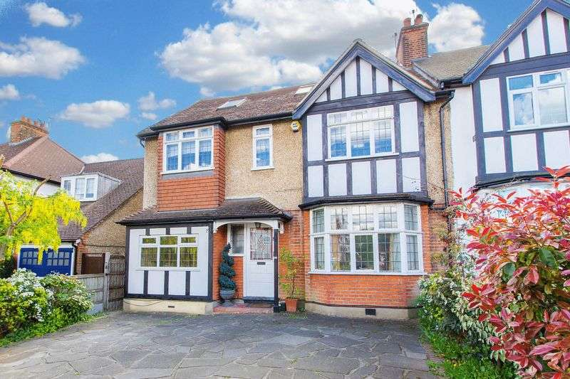 5 Bedrooms Semi Detached House for sale in Palmerston Road, Buckhurst Hill