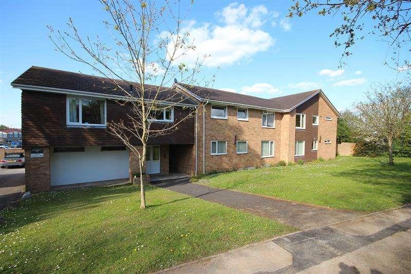 2 Bedrooms Flat for sale in Merley Lane, Merley, Wimborne