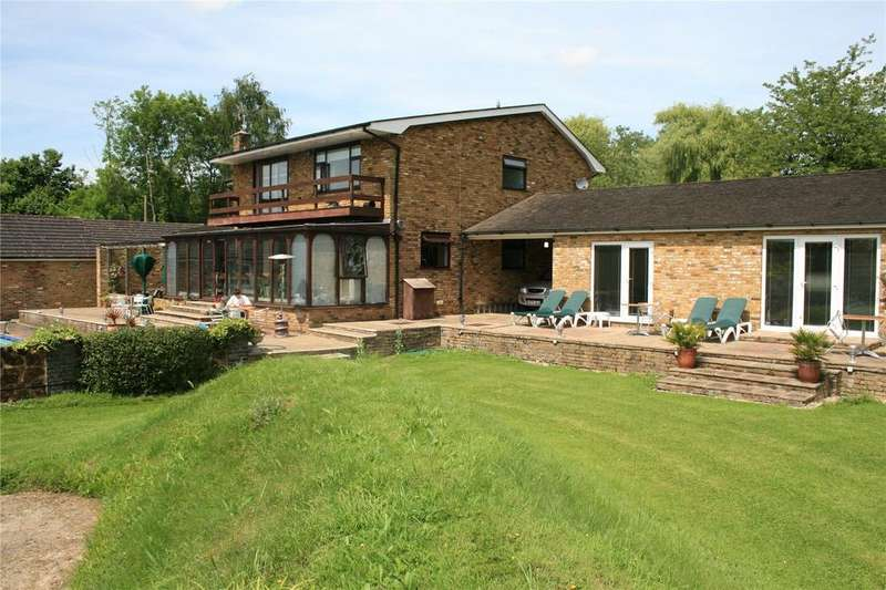 6 Bedrooms House for sale in Carbrooke Road, Ovington, Norfolk
