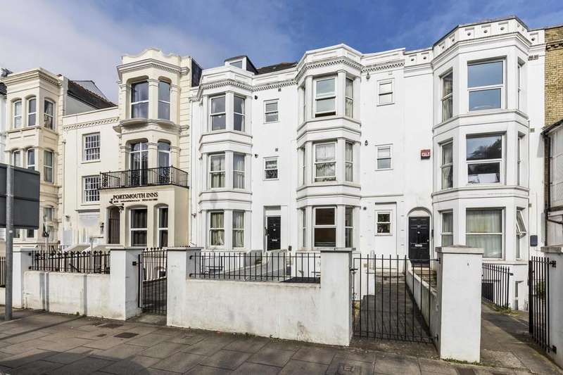 2 Bedrooms Apartment Flat for sale in Landport Terrace, Southsea