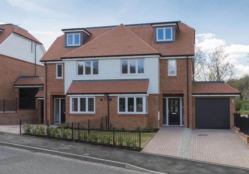 4 Bedrooms House for sale in Norheads Lane Biggin Hill TN16