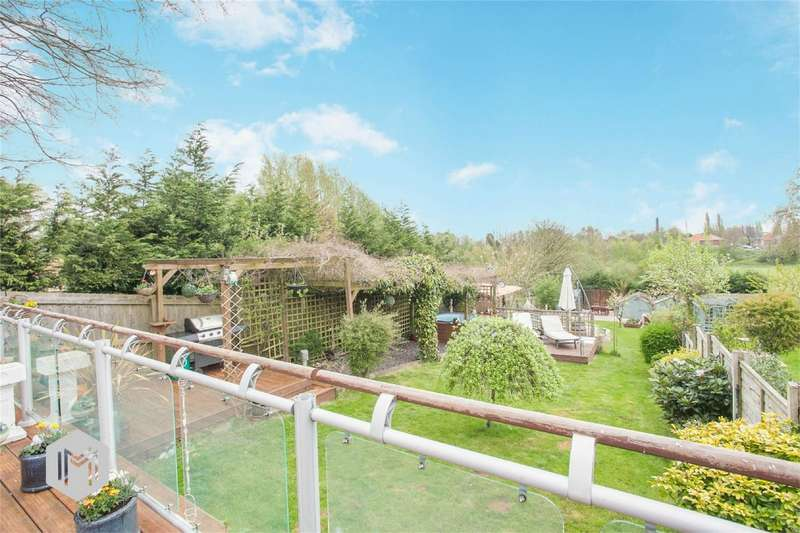 3 Bedrooms Semi Detached House for sale in Glazebrook Lane, Glazebrook, Warrington, Cheshire