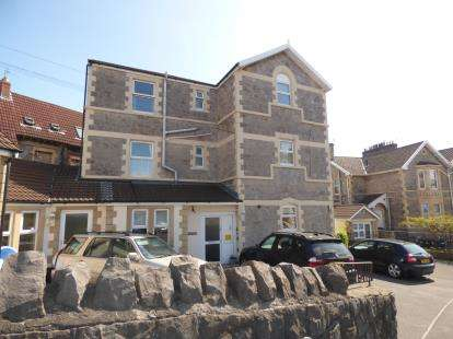 3 Bedrooms Flat for sale in Weston Super Mare