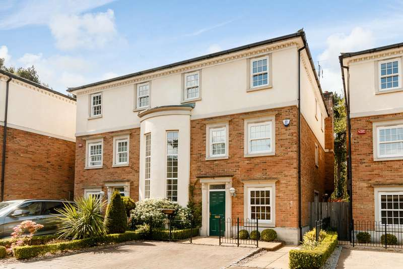 5 Bedrooms Town House for sale in Weybridge