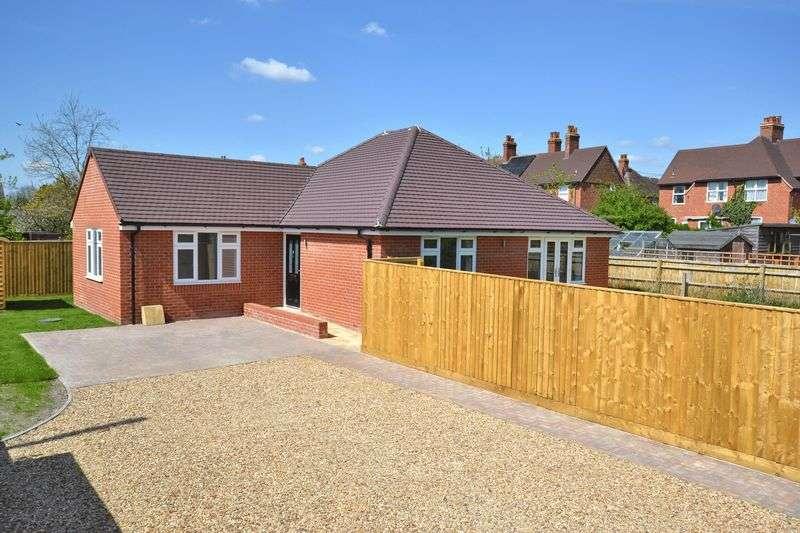 3 Bedrooms Detached Bungalow for sale in Bridge Close, Didcot