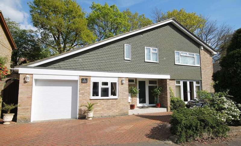 5 Bedrooms Detached House for sale in Lower Spinney, Warsash, Southampton SO31 9NL