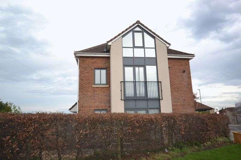 2 Bedrooms Flat for sale in Allison Road, Brislington, Bristol