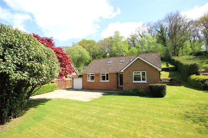 4 Bedrooms Detached Bungalow for sale in Medstead Road, Beech, Alton, Hampshire, GU34