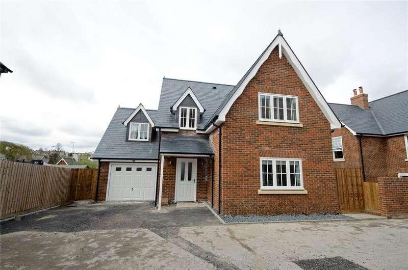4 Bedrooms Detached House for sale in Long Row Close, Saffron Walden, Essex, CB11
