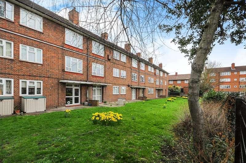 1 Bedroom Flat for sale in Albion Road, Hackney N16