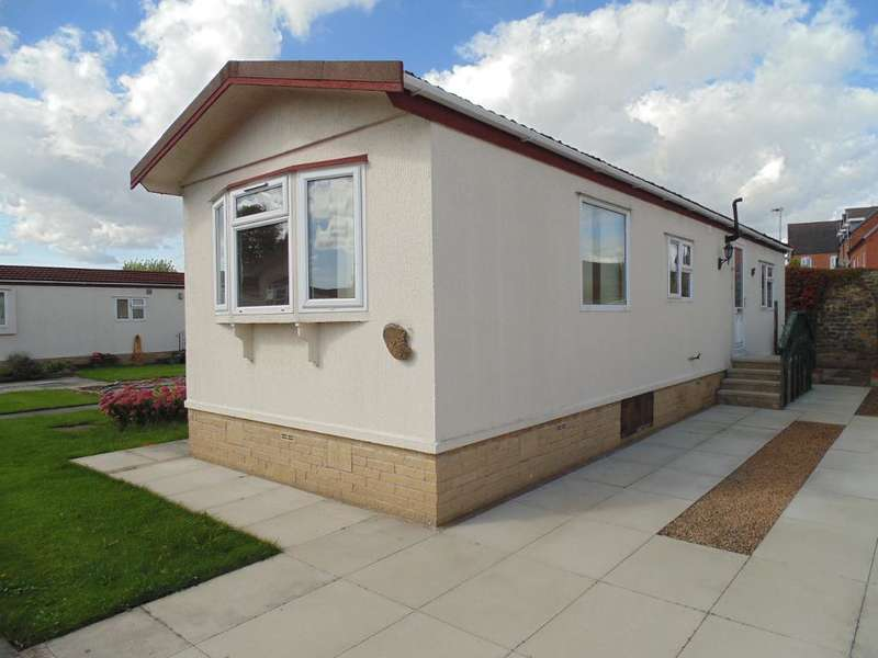 2 Bedrooms Park Home Mobile Home for sale in Lodge Park, Catterall, Garstang, Lancashire, PR3 1YJ