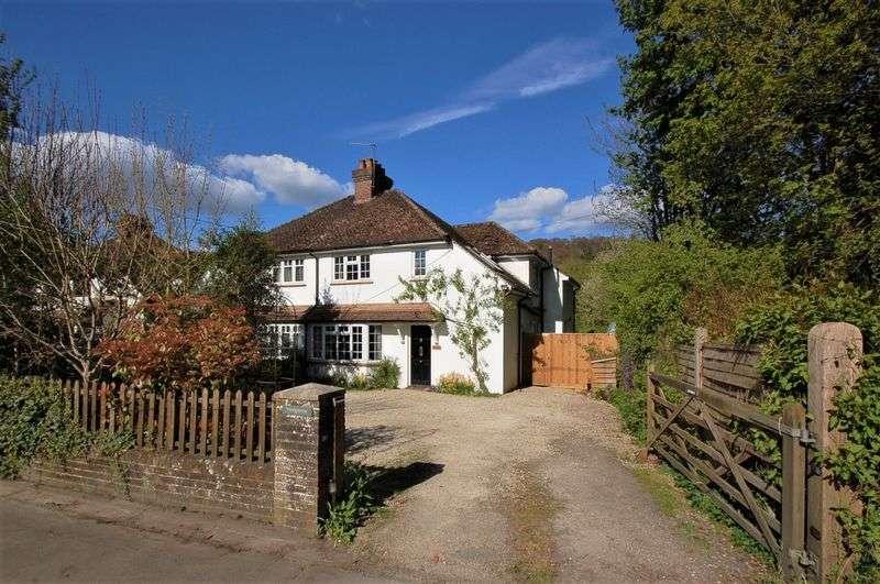 4 Bedrooms Semi Detached House for sale in Hughenden Valley