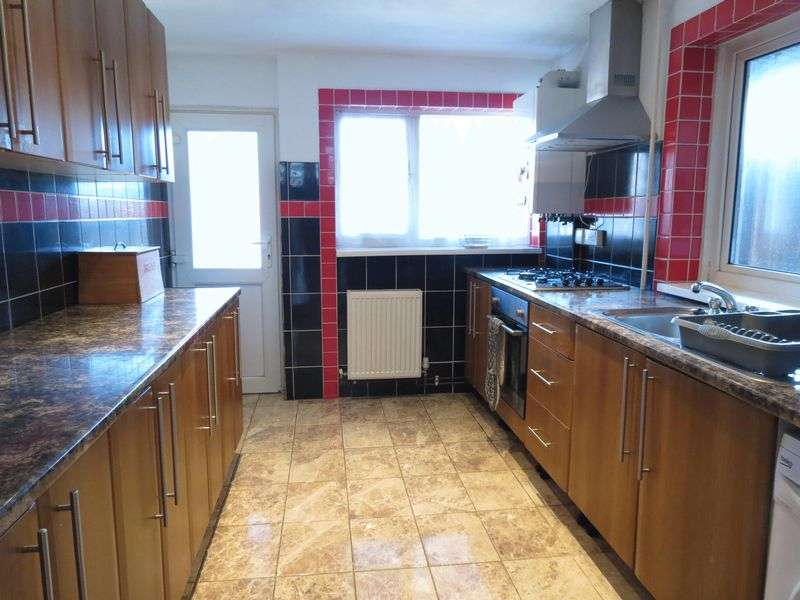 3 Bedrooms Terraced House for sale in Corporation Road, Bournemouth