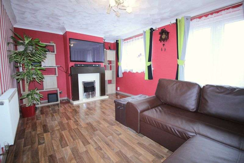 3 Bedrooms Flat for sale in Higher Barley Mount, Exeter