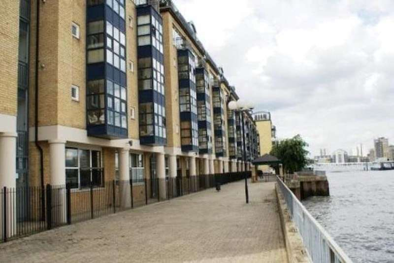 2 Bedrooms Flat for sale in Rotherhithe Street, London, London, SE16