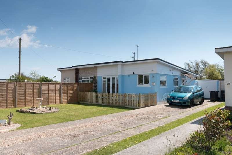 2 Bedrooms Bungalow for sale in Tower Close, Pevensey, East Sussex, BN24