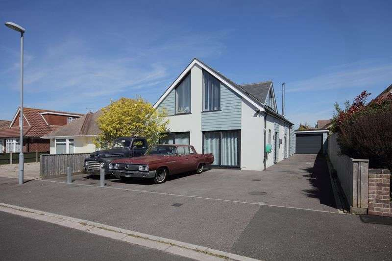 3 Bedrooms Bungalow for sale in Lingwood Avenue, Christchurch