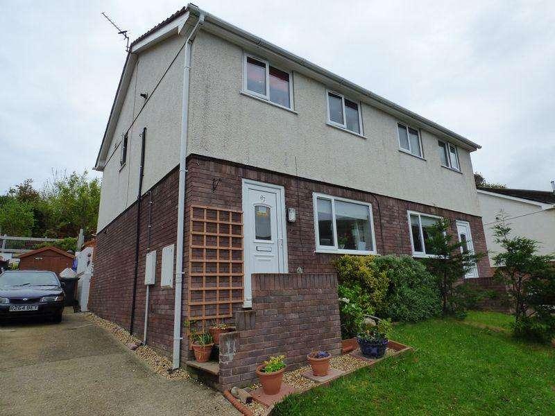 3 Bedrooms Semi Detached House for sale in 67 Cae America, Llanfairfechan LL33 0SJ