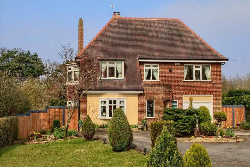 4 Bedrooms Detached House for sale in The Grove, Marton